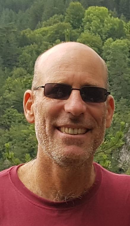 Dr. Gilad Ostrovsky, Leiter der Forstabteilung von KKL Israel, für den Wälder der Seele helfen.